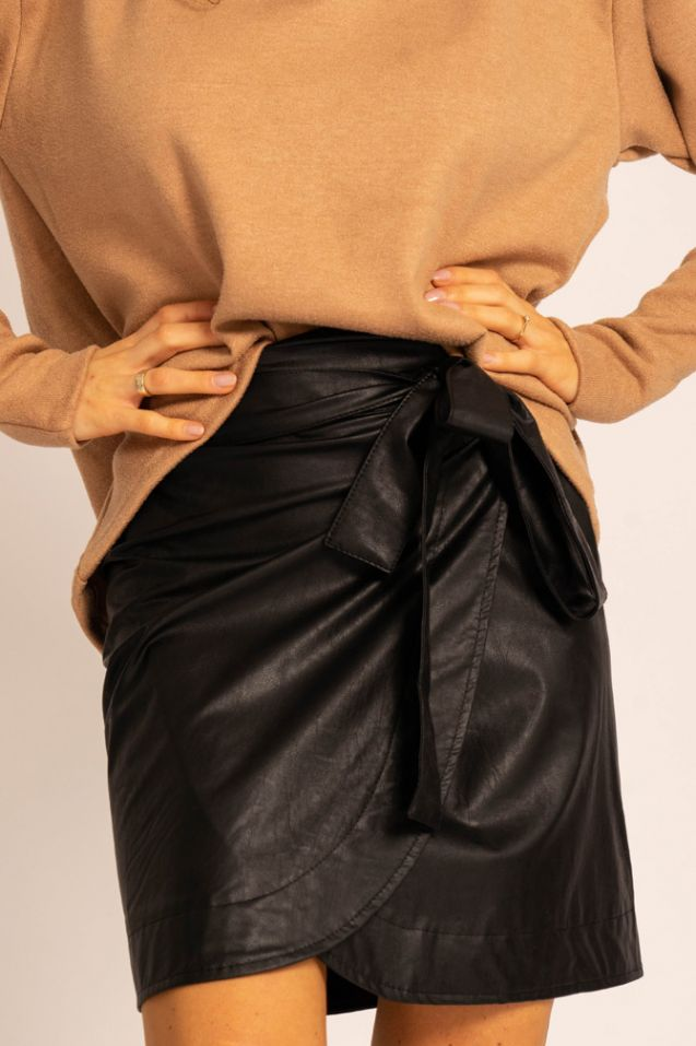 Carla Black leather skirt