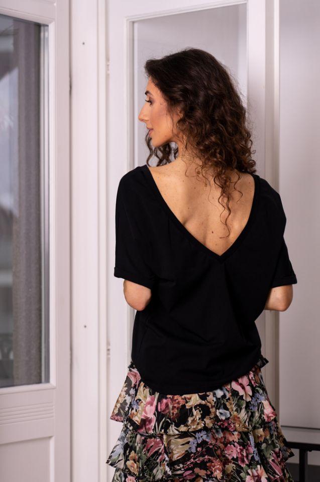 T-shirt z odkrytymi plecami